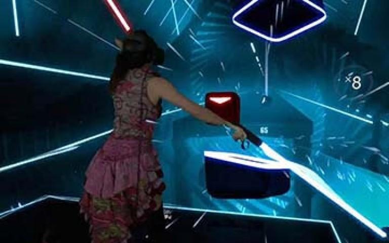 музикална игра с мечове във виртуална реалност